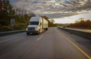 advantages of third party logistics - focus on core competencies